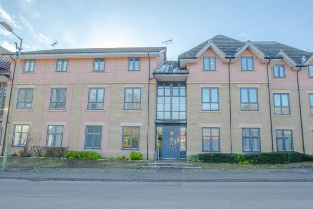 2 bed flat to rent in Camps Road, Haverhill CB9