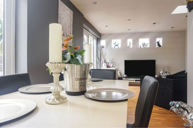 Dining Area of Wells Avenue, Southend-On-Sea SS2