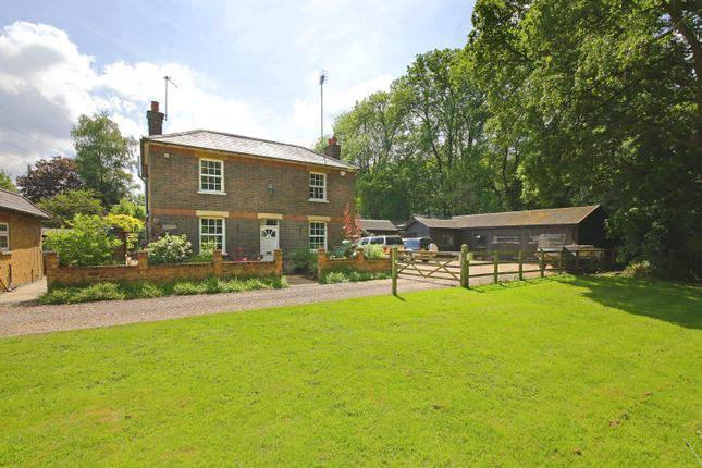 Thumbnail Property for sale in Station Road, Bricket Wood, St.Albans