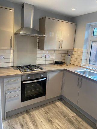 Thumbnail Flat to rent in Little Gearis, Gants Hill