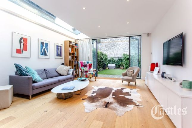 Thumbnail Terraced house for sale in Shanklin Road, London