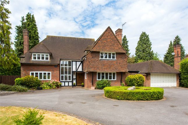 Thumbnail Detached house to rent in Wayside Gardens, Gerrards Cross, Buckinghamshire
