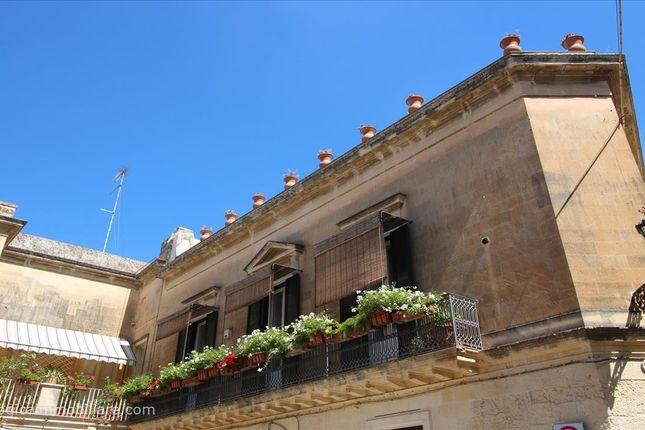4 bed apartment for sale in Via Templari, Lecce, Apulia