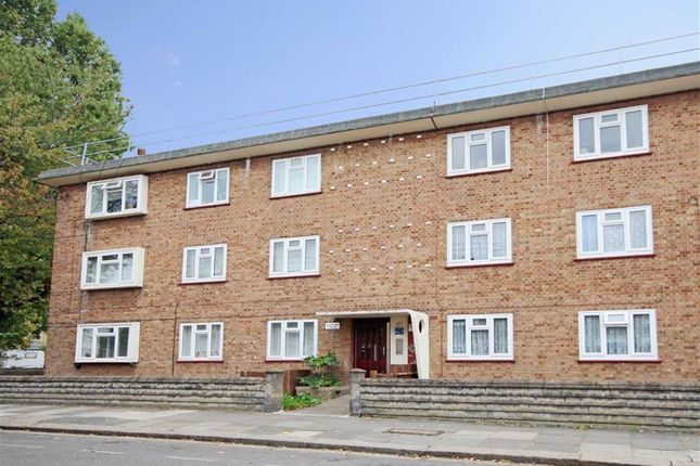 Thumbnail Flat for sale in Kent Road, London