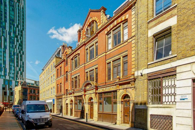 Thumbnail Flat to rent in Brune Street, Spitalfields