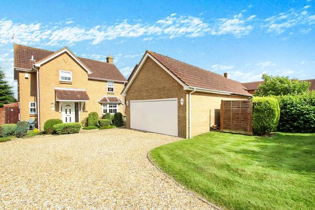 Thumbnail Detached house for sale in Putlowes Drive, Fleet Marston, Aylesbury