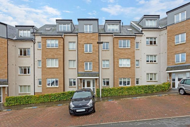 Thumbnail Flat for sale in 19E South Chesters Gardens, Bonnyrigg, Midlothian
