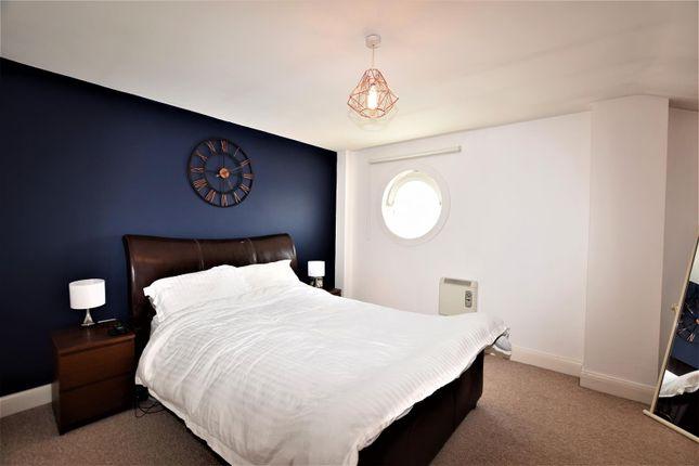 Bedroom 1 of Glanfa Dafydd, Barry CF63