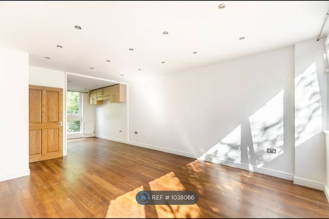 Thumbnail Terraced house to rent in Rosendale Road, London