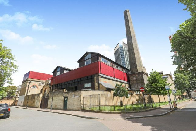 1 bed flat for sale in Pump House Close, London SE16