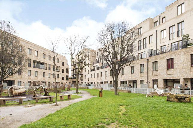 Thumbnail Flat for sale in Packenham House, London