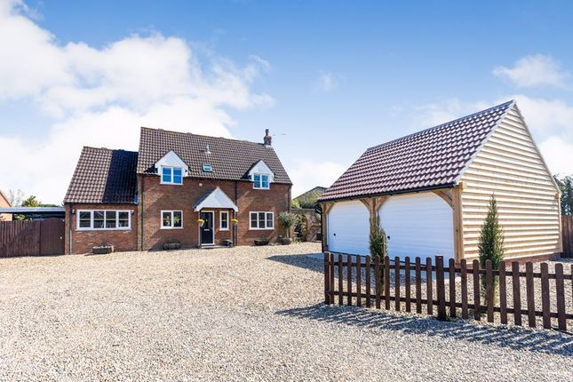 4 bed detached house for sale in The Green, Stalham, Norwich NR12