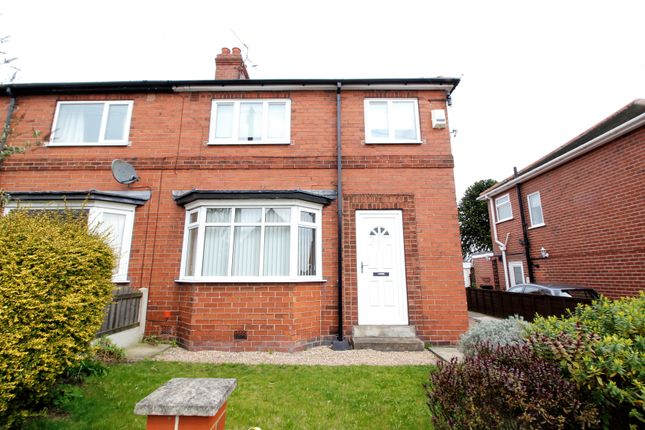 Thumbnail Semi-detached house to rent in Mill Hill Avenue, Pontefract