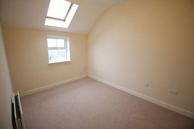 Thumbnail Flat to rent in Fairways House St. Andrews Square, Penkhull, Stoke-On-Trent