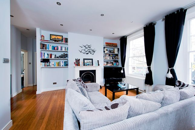 2 bed flat for sale in Caledonian Road, Islington