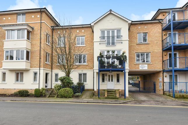 Thumbnail Flat to rent in Peddle Court, High Wycombe