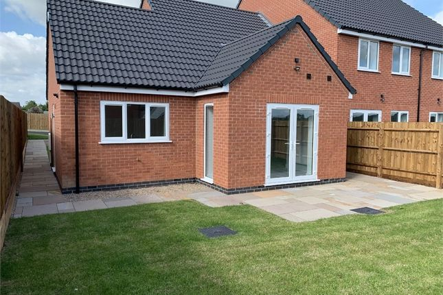 Thumbnail Semi-detached bungalow for sale in Windsor Gardens, Croft, Leicester
