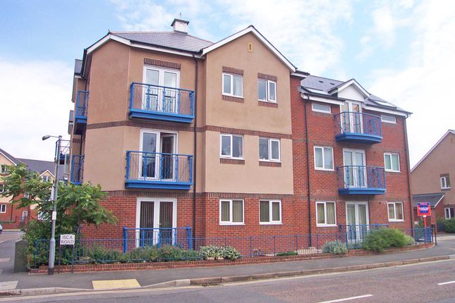 Thumbnail Flat to rent in Isca Road, St. Thomas, Exeter