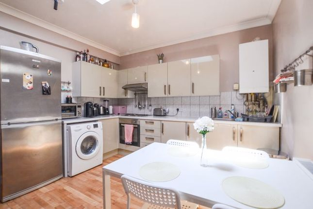 Room to rent in High Street Wanstead, London E11