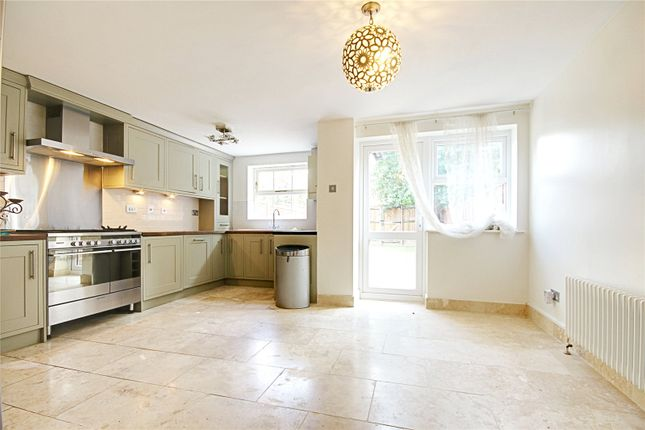 5 bed terraced house to rent in Harston Drive, Enfield EN3
