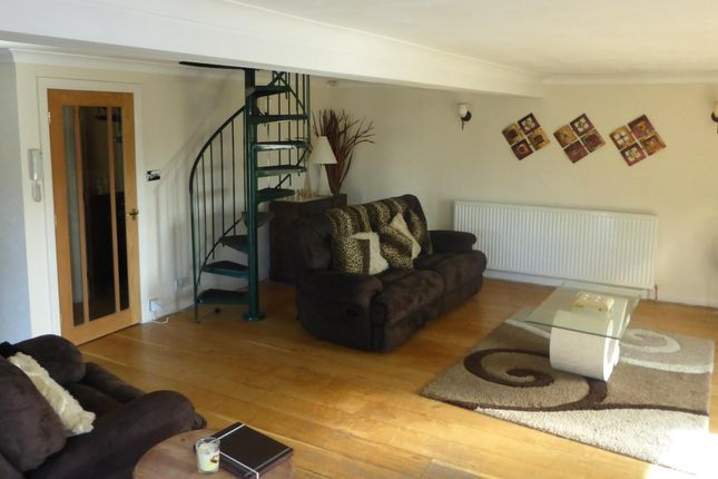 Thumbnail Flat to rent in White Castle Court, Green Lane, Queensbury, Bradford