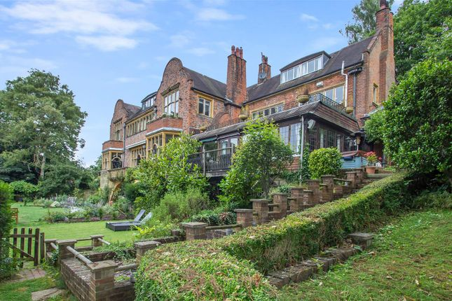 Thumbnail Link-detached house to rent in Oakleigh Court, Station Road West, Oxted
