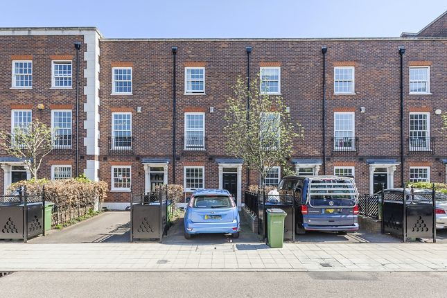Thumbnail Terraced house to rent in Hastings Street, London