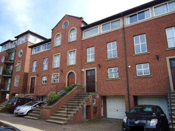 4 bedroom mews house for sale in Alcantara Crescent, Ocean Village, Southampton