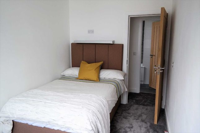 Room to rent in Windsor Road, Bray, Maidenhead