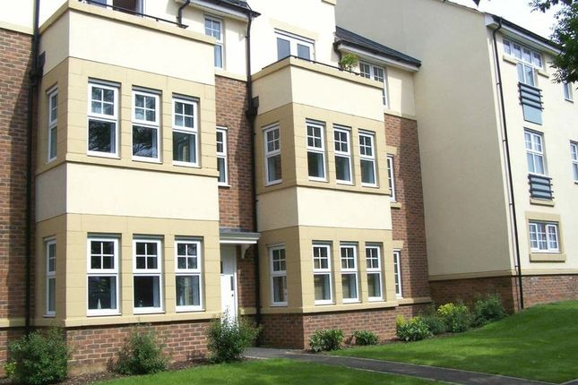 Thumbnail Flat for sale in The Hawthorns, Flitwick, Bedford