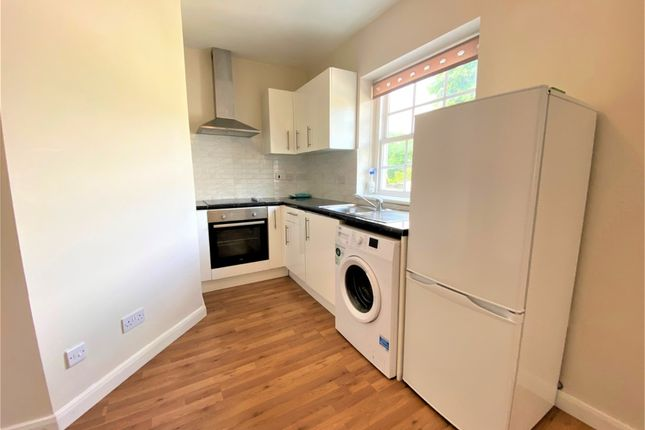 Thumbnail Flat to rent in High Street, Colnbrook, Slough, Berkshire