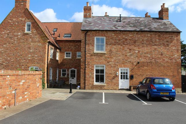 Thumbnail Flat for sale in Bull Inn Close, Weedon, Northampton