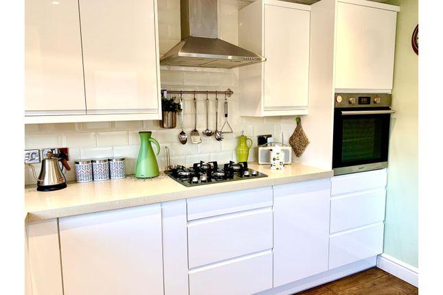 Kitchen of Southcoates Lane, Hull HU9