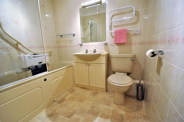 Bathroom of Lovell Court, Parkway, Holmes Chapel CW4