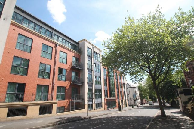 2 bed flat to rent in North Sherwood Street, Nottingham NG1