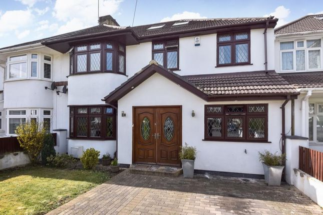 Thumbnail Semi-detached house for sale in Parkland Avenue, Langley, Slough