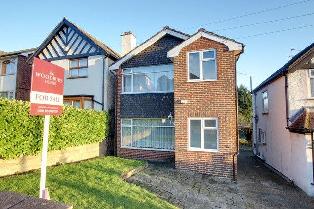 Thumbnail Property to rent in Queens Road, Loughton, Essex