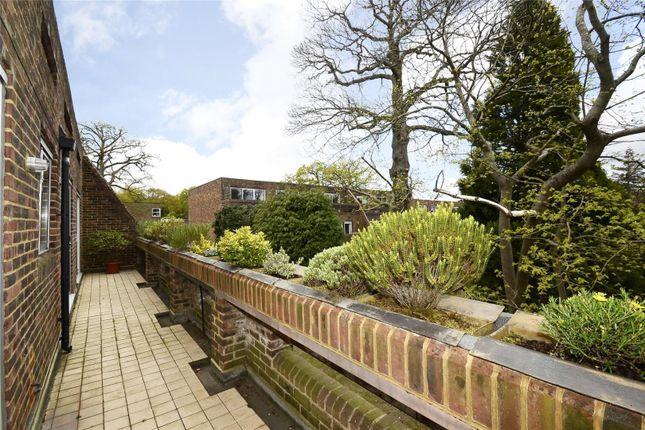 Thumbnail Flat for sale in Stroudwater Park, St. Georges Avenue, Weybridge, Surrey