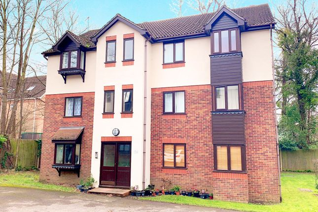 Thumbnail Flat for sale in Briarswood, Shirley, Southampton