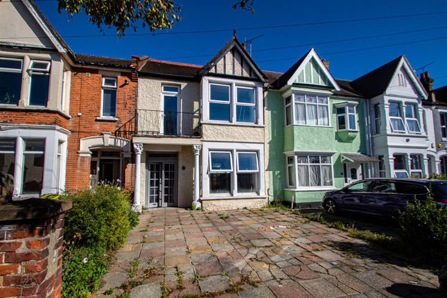 4 bed terraced house to rent in Bellevue Road, Southend-On-Sea SS2