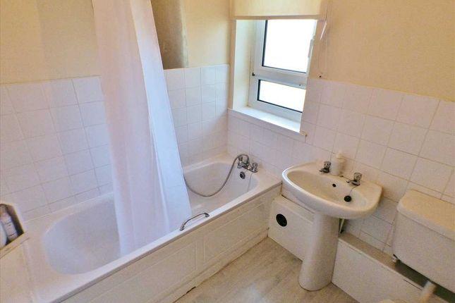 Bathroom of Dechmont Street, Hamilton, Hamilton ML3