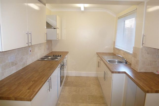 Thumbnail Property to rent in May Road, Lowestoft