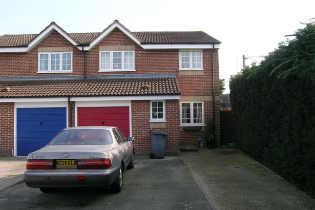 Thumbnail Semi-detached house to rent in Moorymead Close, Watton At Stone, Hertford