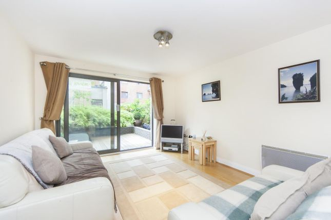 Thumbnail Flat to rent in Horsley Court, Regency Apartments, Montaigne Close, Westminster, London