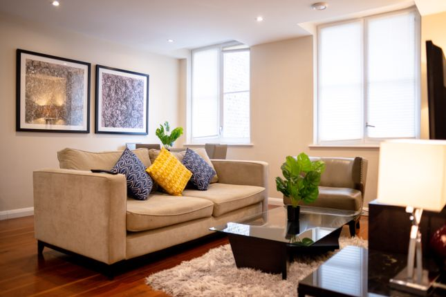 Flat to rent in 11-13 Bream's Building, London