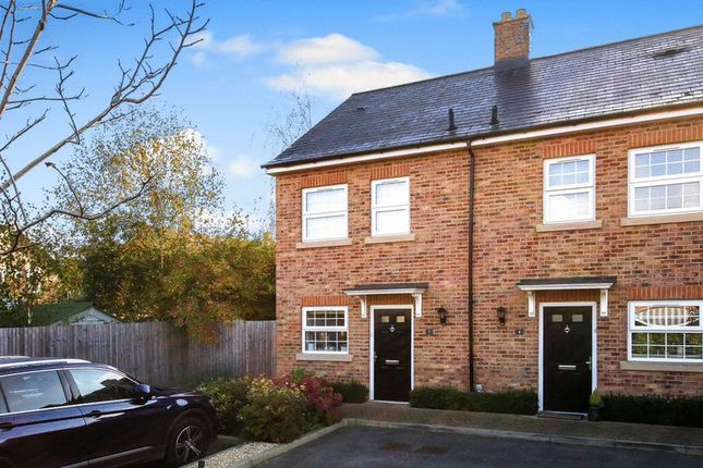 3 bed semi-detached house for sale in Jubilee Gardens, Tring