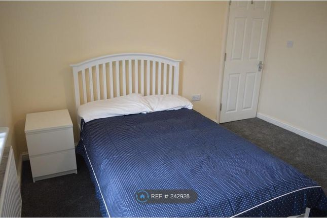 Thumbnail Room to rent in Melville Road, Rainham