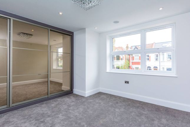 Thumbnail Property to rent in Agnes Road, Acton
