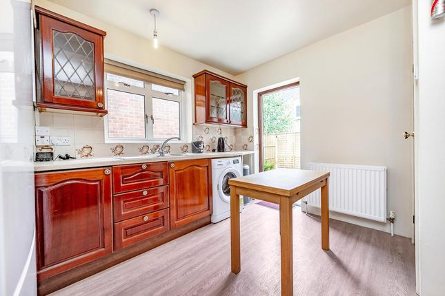 4 bed terraced house to rent in Hillbrook Road, London SW17