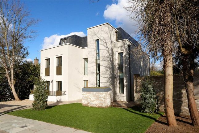 Thumbnail Terraced house for sale in Lincoln Avenue, Wimbledon